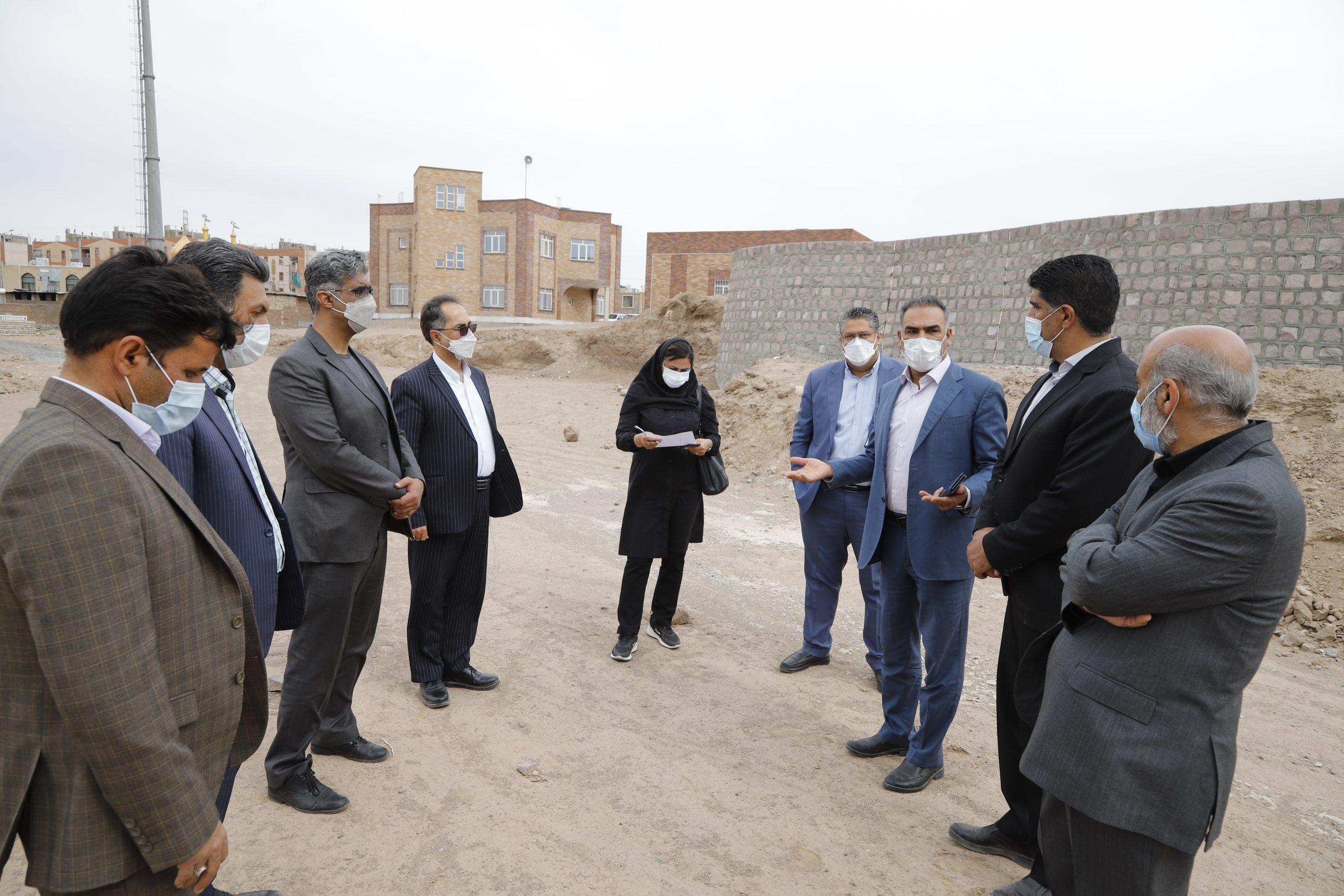 در بازید شهردار  و مدیران شهرداری از پروژه پارک الهیه بر برنامه ریزی در راستای اجرای فاز یک بوستان الهیه تاکید شد